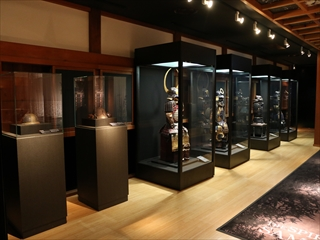 常盤木門SAMURAI館では甲冑や刀剣類の優品を展示します